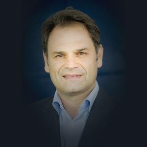 Docteur Giancarlo Bianca chirurgien dentiste-parodontiste à Marseille